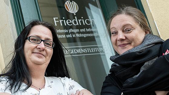 zwei Mitarbeiterinnen von Friedrich Pflege